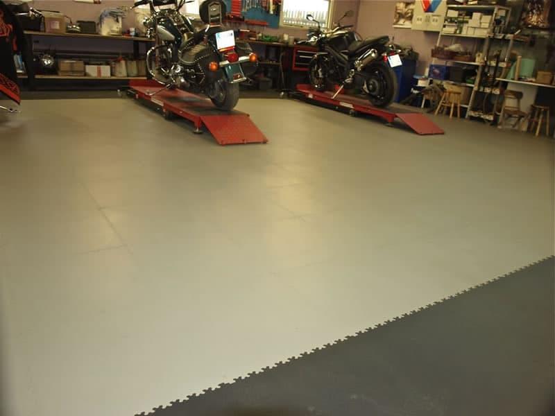 R-Tek_Manufacturing_R-Tile_Garage Floor Tiles_gallery_a2
